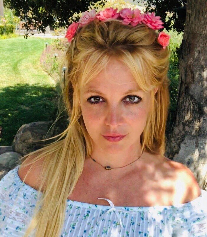 Britney Butterfly Wallpaper - Britney Spears Wallpaper